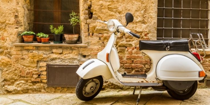 Vespa italienne - Immobilière en Italie