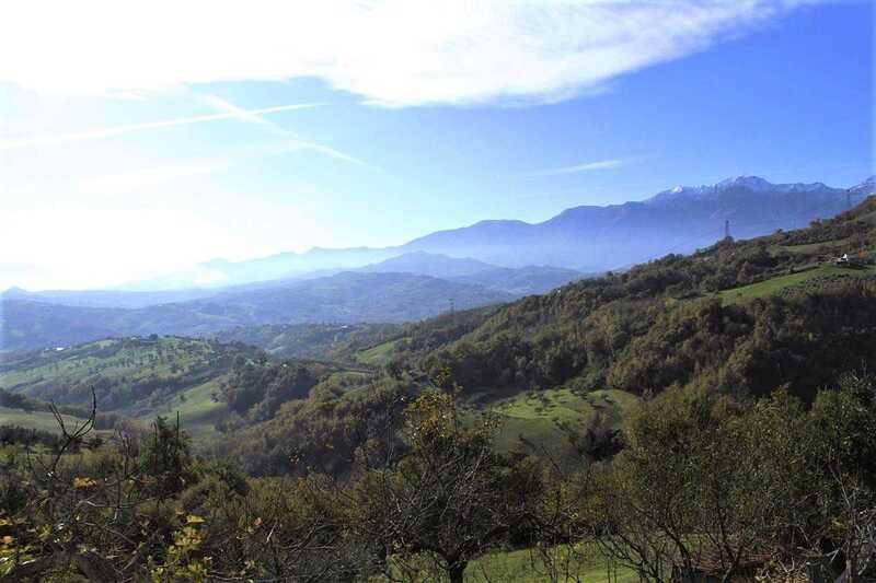 Abruzzes – Deux maisons, une vue panoramique – EL786